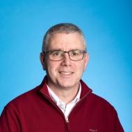 Dr. Aidan Quinn